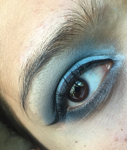 added a couple of coat of mascara and finished the look!