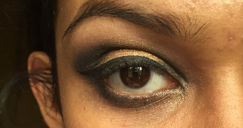 Gold Smokey New Years Eve Makeup Tutorial